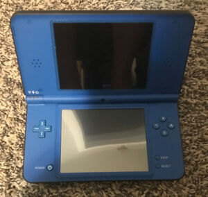 Ninetendo DS XL Package