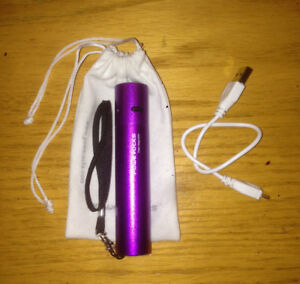 PORTABLE CELLPHONE / TABLET USB BATTERY STICK CHARGER FOR SALE!