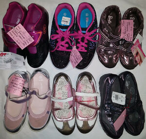 Older Girls Size 2, 3, 4 Shoes & Boots & Sandals & Sneaker etc.. London Ontario image 1
