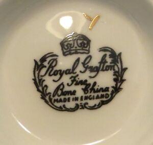 Lot de 4 belles tasses et secoupes en fine porcelaine Englaise Gatineau Ottawa / Gatineau Area image 3