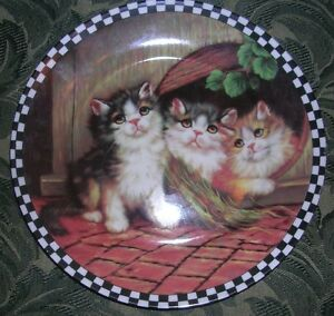 Collector Plate with 3 kittens on front