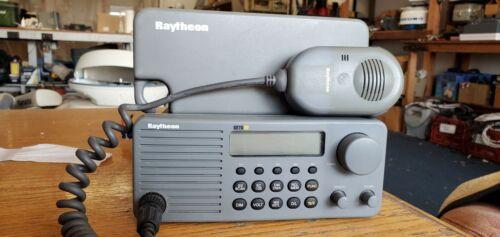 Raytheon RAY210 VHF