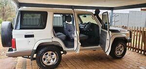 2011 Toyota Landcruiser Gxl (4x4) 5 Sp Manual 4d Wagon