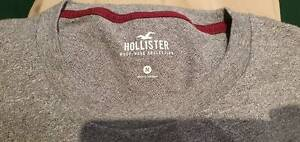 Men's T-Shirt- Hollister Round-neck (Size M)