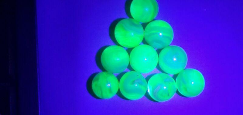 10  UV REACTIVE  VASELINE SWIRL URANIUM JABO GLASS MARBLES $7.99 LOT C