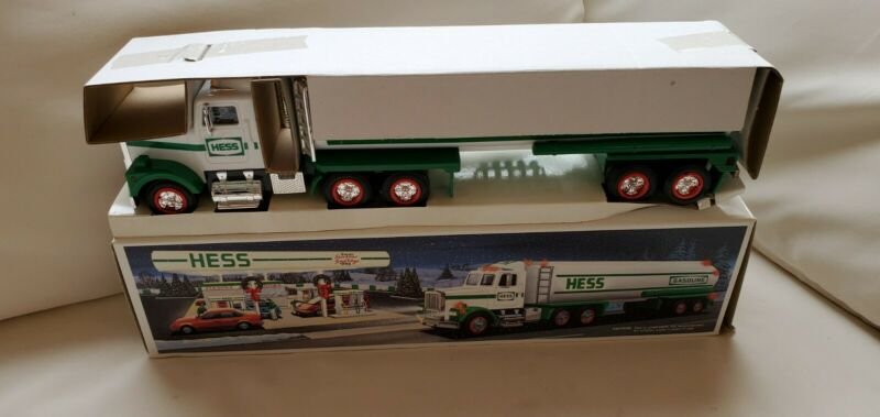 HESS TRUCK 1987 BANK TRACTOR TRAILER never on display lot x366
