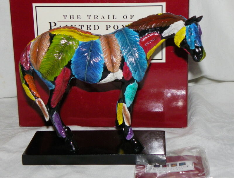 MIB Trail of Painted Ponies 2005 Horsefeathers Lower 1E Figurine Complete in Box