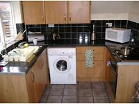 3 bedroom flat in Helmsley Road, Newcastle Upon Tyne