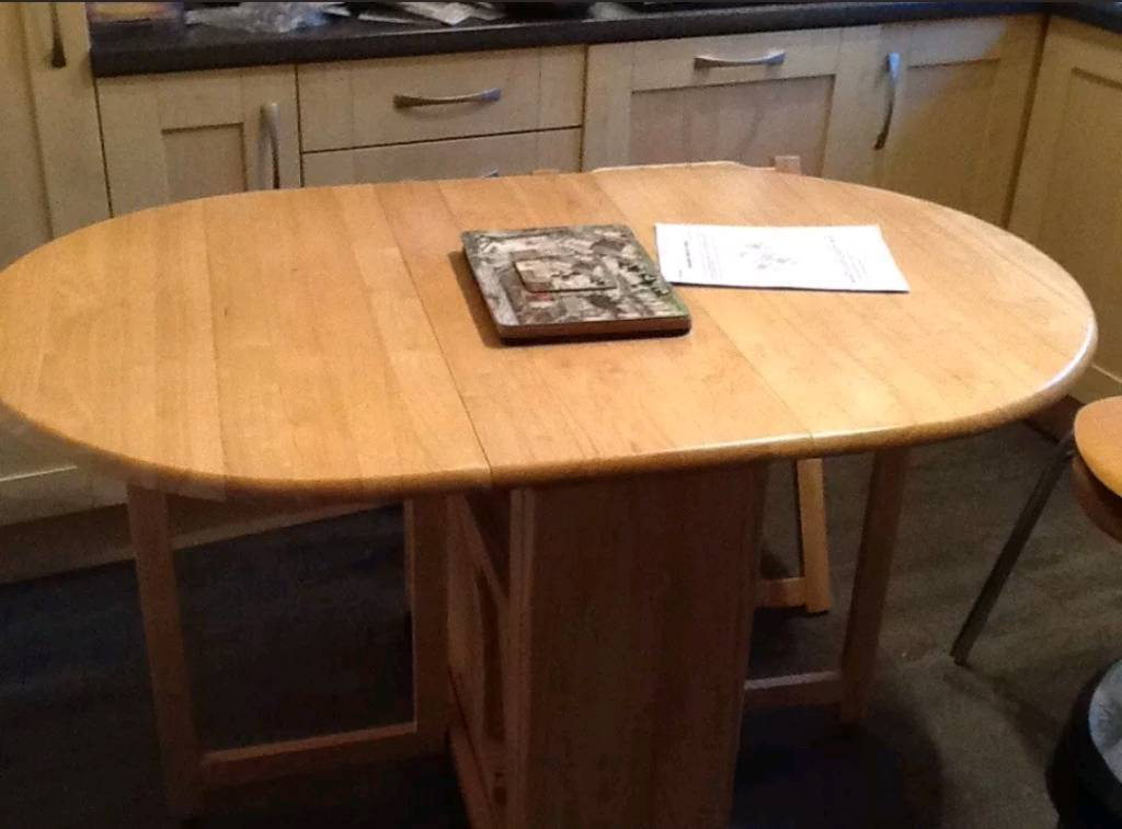 ed12c3c6608cd John Lewis Butterfly Drop Leaf Table with 4 Folding Chairs