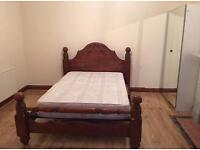 Call..VERY LARGE CLEAN KING SIZE DOUBLE ROOM & VERY LARGE SINGLE ROOM TO LET IG1