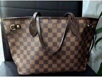 Gorgeous Louis Vuitton Neverfull bag, mm size in Damier ebene print.
