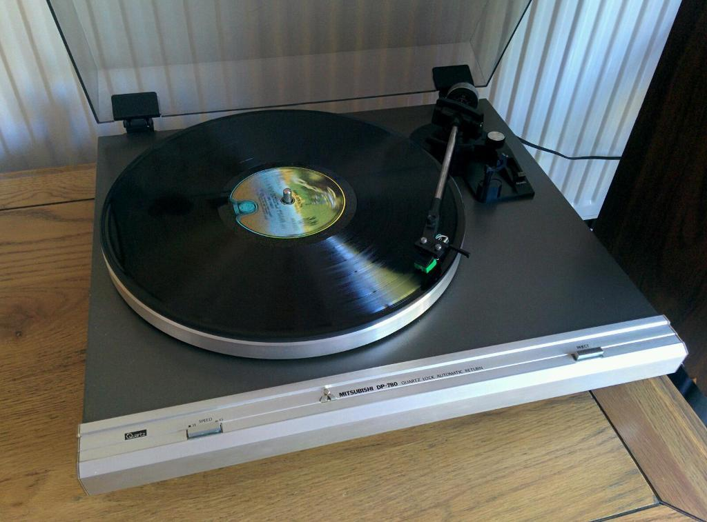 Mitsubishi Dp 780 Turntable Record Player In Bicester