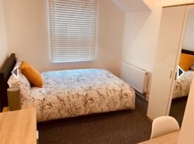 Ensuite rooms including bills available now