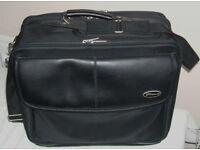 Targus laptop case laptop bag briefcase VGC Lots of storage 41cm x 33cm x 20cm