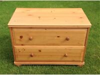 SOLID PINE CHEST