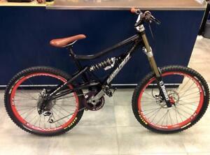 Vélo de descente SANTA CRUZ #F024298