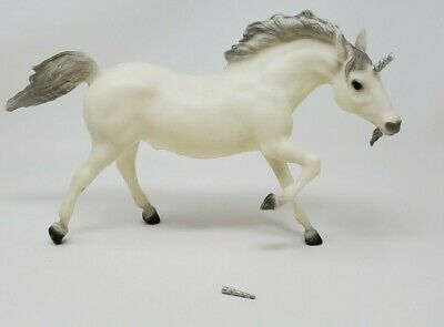 Vintage Breyer Unicorn Horse White & Silver Or Gray # 210 Broken Horn Included