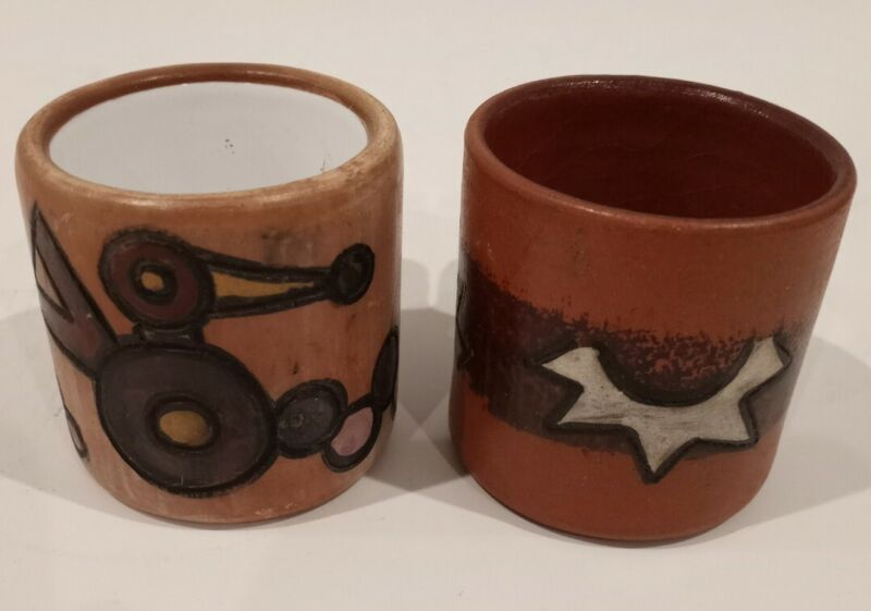 2 Vintage Yawarmacky Urubamba Cusco Peru Hand Decorated Pottery Expresso Cups