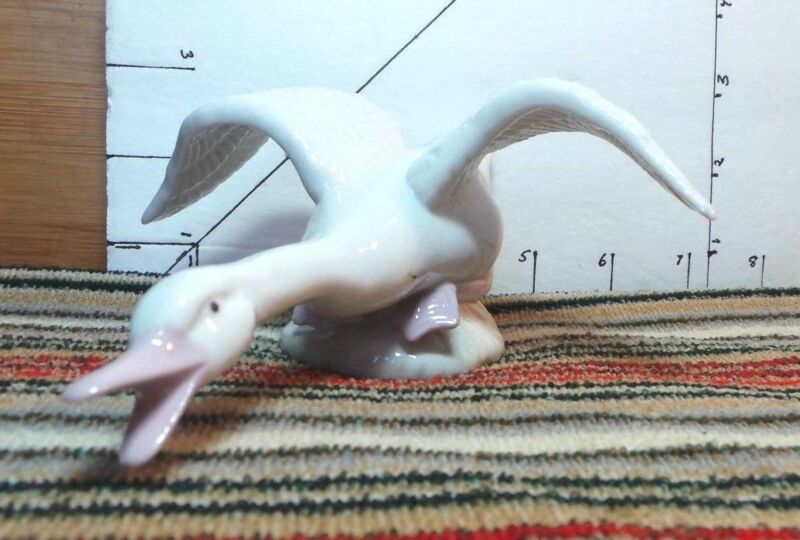 Swan, goose, duck, ceramic porcelain, wings out, Collectible Home Decor