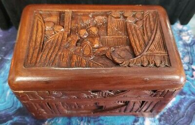 Vintage Hand Carved Wood Fisherman Round Trinket or Jewelry Box  1930/'s