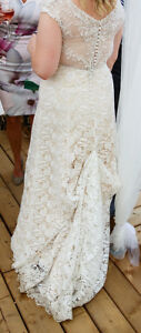 Professionally Cleaned Vintage-Inspired Lace Cream Wedding Dress