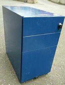 4x Filing cabinet