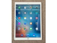 IPAD AIR 2 CELLULAR +WIFI ,WHITE & GOLD & UNLOCKED TO ALL NETWORKS WITH SMART COVER