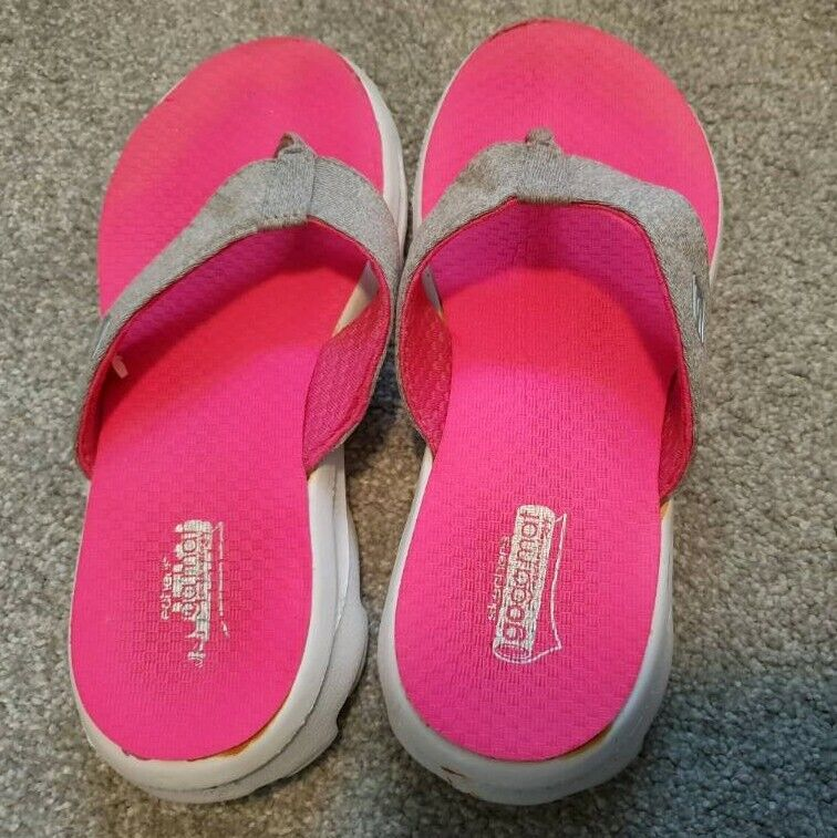 6e183da545a3 Girl s Yoga mat Skechers flip flops US child size 1