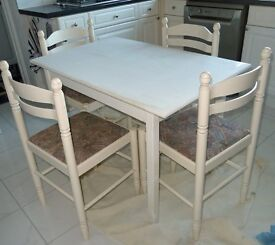 White wood Dining Table and 4 Chairs
