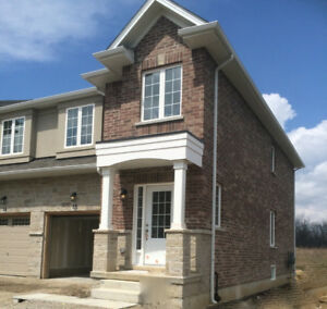 Executive townhouse for rent in Ancaster