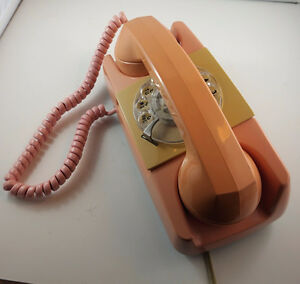 4U2C VINTAGE PINK ROTARY STARLITE PHONE MADE IN USA 1978