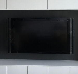 "Sony KDL-46XBR8 - 46"" LCD TV"