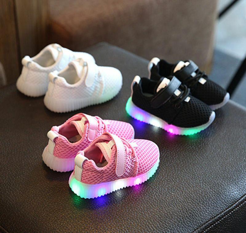 Mädchen Jungen LED Sneakers Licht Leuchtende Blink Schuhe Loafers Kinderschuhe