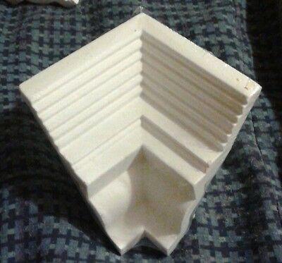 Focal Point Moulding Mates 22301 Colonial Dentil Inside Corner Focal Point Moulding