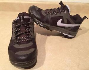 huge selection of 29627 31cf7 Womens Size 6.5 Nike ACG Shoes
