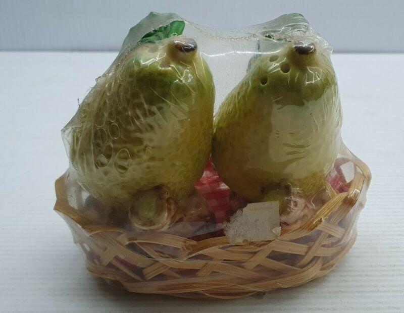 Pears in basket retro Vintage Salt and pepper shakers set China unused