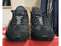 Nike Air Max 95 Essential Trainer Size 9