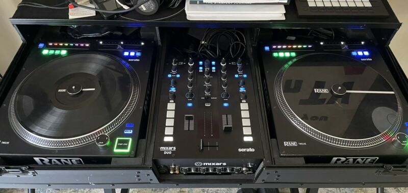Two Rane Twelve MK I Decks + Mixars Duo MK II Mixer + Rolling Road Case / Glide