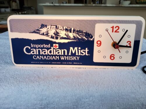VINTAGE CANADIAN MIST LIGHTED  BAR  / REGISTER TOP CLOCK