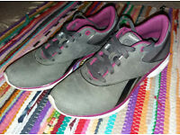 Reebok EasyTone Trainers - Women's - Good Condition - Toning / Running Shoes - Size 5 - Grey/Purple