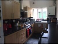 **NEWLY REFURBISHED STUDENT HOME 30 BEESTON ROAD FOR 2017/18.