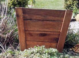 Square wooden plant pot
