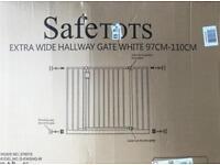Safetots Extra Wide Hallway Gate (White)
