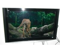 """Panasonic Viera 37"""" LCD plus wall mounting, freeview/PVR & cables"""