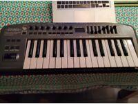 Edirol PCR-M30 USB MIDI Keyboard Controller
