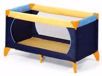 Travel cot / play pan