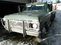 BLOWOUT PRICED '76 F350