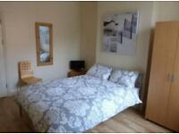 ** Large Double En-Suite Room To Let** Exmouth Town Centre