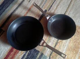 (FREE) Circulon Infinite 2-Piece Induction Compatible Non-Stick Frying pan / Skillet Set