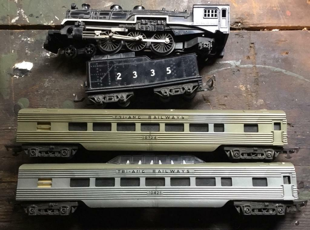 Triang Locomotive & Carriages